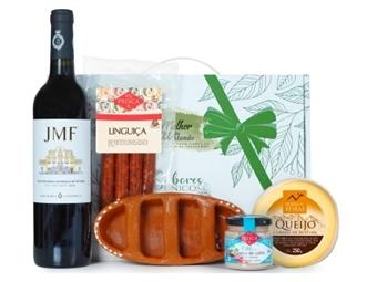 CABAZ PAI COOL da Casa da Prisca: Caixa de Cartão com Laço Verde composta por 4 Deliciosos Produtos por 28€. PORTES INCLUÍDOS.