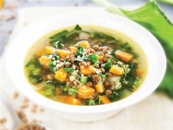 Coleção Receitas Facílimo: Sopa de lentilhas e cenoura. Faça download da receita em eBook e áudio.