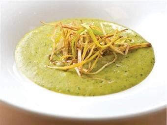 Coleção Receitas Facílimo: Sopa de curgete e alho-francês. Faça download da receita em eBook e áudio.