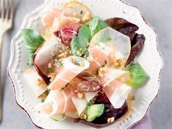 Coleção Receitas Facílimo: Salada de presunto com peras e nozes. Faça já download do eBook e áudio.