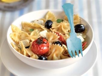 Coleção Receitas Facílimo: Salada mediterrânica com massa. Faça já download do eBook e áudio.