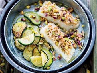 Coleção Receitas Facílimo: Bacalhau assado com frutos secos. Faça já download do eBook e áudio.
