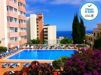 VERÃO 2021 - MADEIRA: 2 Noites no Funchal no Bungavília Studio Hotel, Voo de Lisboa, Porto ou Faro, Transferes e Seguro desde 393€.