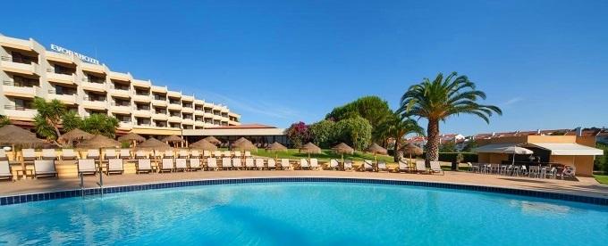 Évora Hotel: Estadia com pequeno-almoço e Entrada no Monte Selvagem para visita livre.