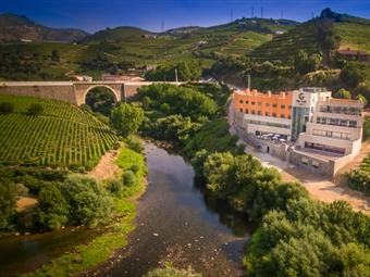 RÉVEILLON 2022 - Vila Galé Collection Douro 4*: 2 Noites com Pequeno-almoço, Cocktail de boas vindas, Jantar de Réveillon e Ceia por 187€.