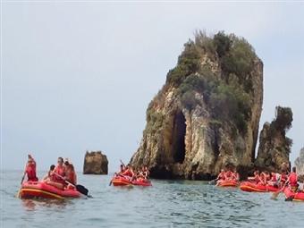 Canoagem com Snorkeling na Arrábida: Aventure-se com os Seus Amigos e Familiares num Programa Divertido desde 39€!