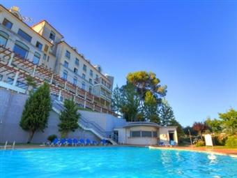 Tulip Inn Estarreja Hotel & SPA 4*: 1 Noite com opção de Jantar e Piscina Interior Aquecida  desde 30€. Entre a Ria e o Mar, junto a Aveiro.