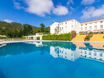 Golden Tulip Braga Hotel e Spa 4*: Estadia com Pequeno-almoço, Opção de Jantar e acesso a Piscina Interior Climatizada desde 29.50€.