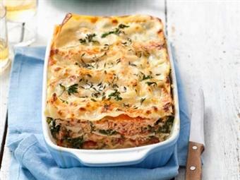 Lasanha de Salmão. Prática e saudável. Uma outra forma de saborear este prato de forno, de origem italiana.