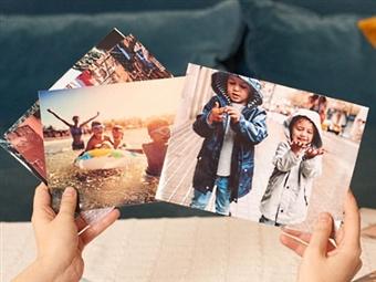 IMPRESSÃO Digital de 100+8 FOTOGRAFIAS em Papel Couché de 250g Matte sem Brilho | Formatos de 10x15cm ou 15x10cm por 6.99€.