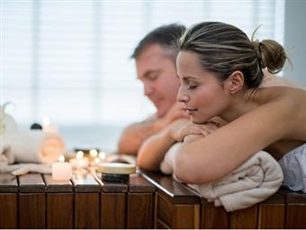 ZEN MOMENT a Dois! Massagem de Relaxamento ou Velas Quentes na Dello nas Laranjeiras em Lisboa por 52€.