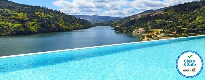 Douro Royal Valley Hotel 5*: Estadia com Pequeno-almoço, Jantar e Massagem. Relaxe a Dois!