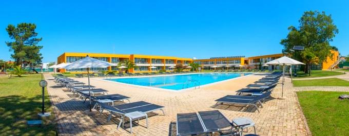 VILA PARK NATURE E BUSINESS HOTEL 4*: 1 ou 2 Noites e Programas à Escolha em Vila Nova de Santo André, no Alentejo. Respire e Relaxe!
