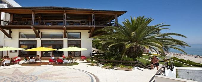 HOTEL do MAR 4*: Estadia em Sesimbra com Vista Mar, Opção de Meia Pensão, Piscina Exterior e Estacionamento. CRIANÇA GRÁTIS!