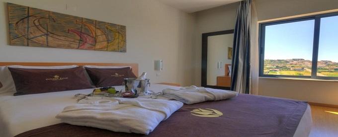Tulip Inn Estarreja Hotel & SPA 4*: 1 Noite com opção de Meia Pensão e SPA entre a Ria e o Mar, junto a Aveiro. Aproveite a Vida!