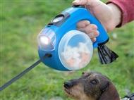 Trela Retrátil para Cães com Lanterna, Caixa com Sacos, Bebedouro, Caixa para Comida e Relógio Digit