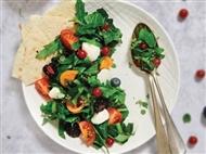 Coleção Receitas Facílimo: Salada com mozarela e frutos vermelhos. Faça já download do eBook e áudio