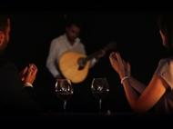 Fado Vadio para Dois com Jantar e Bebida + Tour por Lisboa Antiga, com Guia Fadista