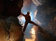 Actividades na Natureza: ESPELEOLOGIA nas Grutas da Serra da Arrábida para 1,2 ou 4 Pessoas