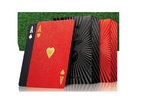 Baralhos de Cartas Benfica: uma nova edição em vermelho e preto para os maiores fãs!