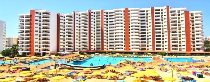 ALGARVE: 7 Noites em Apartamento T1 para até 4 pessoas a 300 metros da Praia da Rocha em Portimão. Aproveite!