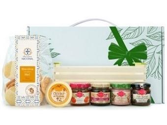 CABAZ ADÓNIS da Casa da Prisca: Caixa Tabuleiro em Madeira composta por 6 Deliciosos Produtos por 22€. PORTES INCLUÍDOS.