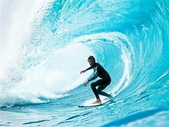 1 AULA DE SURF ou BODYBOARD em PENICHE para 1 Pessoa por 19.99€. Venha Enfrentar as Ondas!