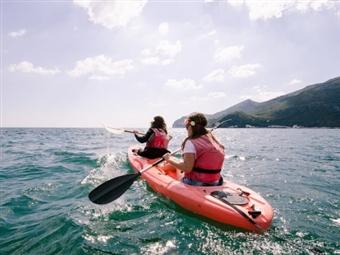 Actividades na Natureza: CANOAGEM na Linha Costeira da Serra da Arrábida para 1, 2 ou 4 Pessoas desde 25€.
